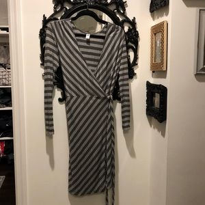 Old Navy Striped Wrap Dress size Medium